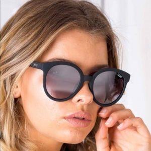 Quay Australia Accessories - Quay High Tea Black Mirrored Sunglasses